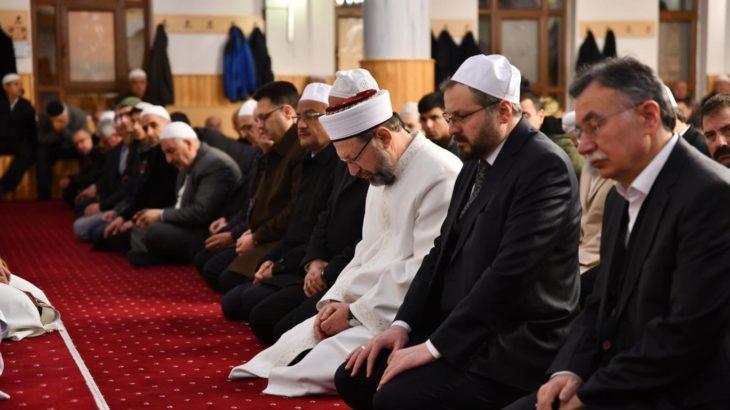 Diyanet İşleri Başkanı Ali Erbaş: Bayram namazı camilerde kılınacak