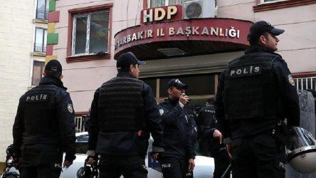 Diyarbakır'da PKK operasyonu: HDP'li yöneticilerin de aralarında bulunduğu 29 kişi gözaltına alındı