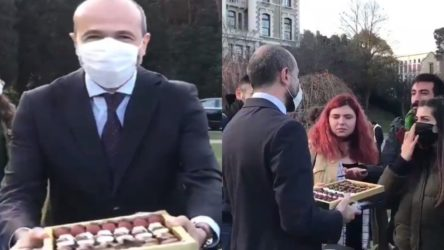 AKP'li Melih Bulu, öğrencilere çikolata dağıtan 'arkadaşını' danışmanı olarak atadı