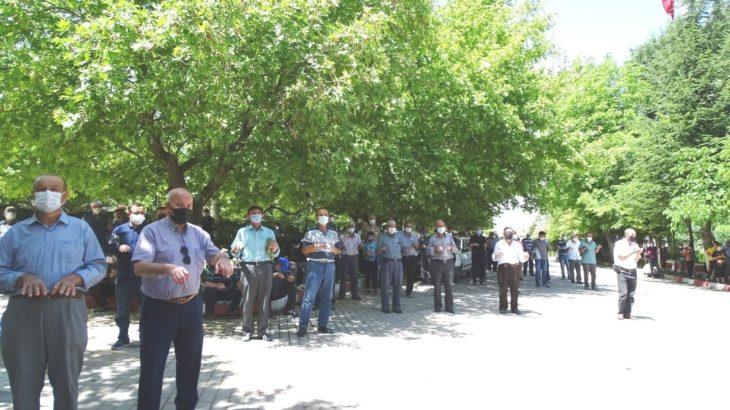Kaymakam ve AKP'li başkan yağmur duasına çıktı