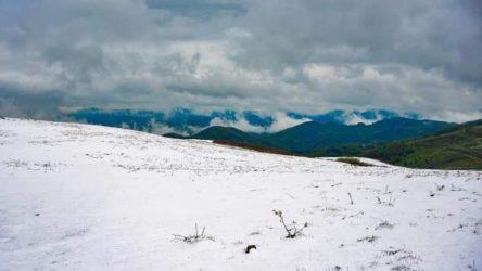 Karadeniz yaylalarına mayıs ayında kar yağdı