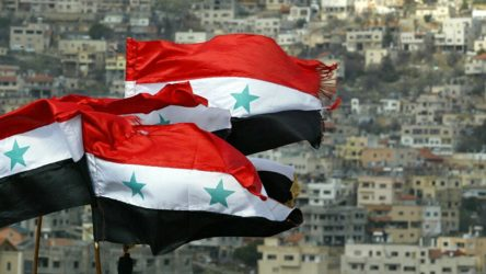 Suriye'den Türkiye'ye 'geri çekilin' uyarısı