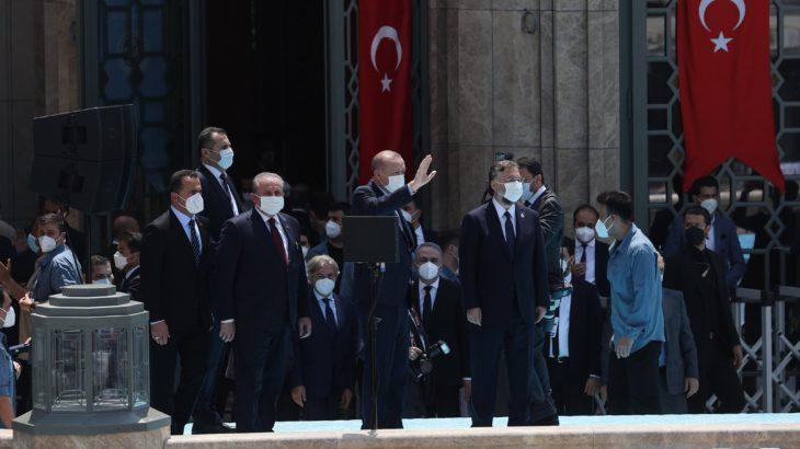 Erdoğan Taksim'deki cami açılışında Gezi'yi hedef aldı