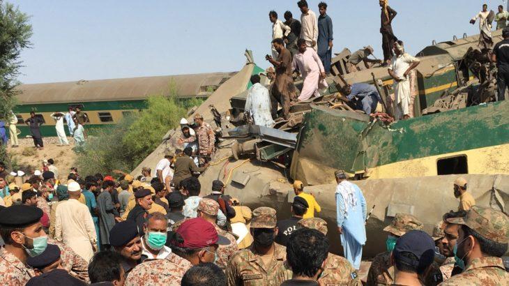 Pakistan'da tren kazası: 40 ölü, 100'den fazla yaralı