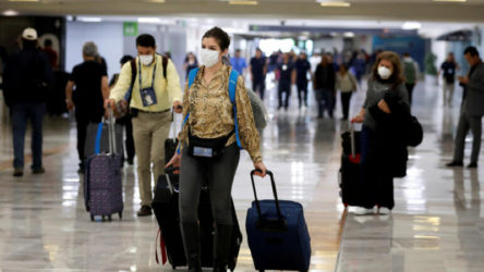 Sinovac aşısı yaptıran turistleri İspanya, ülkeye kabul ediyor