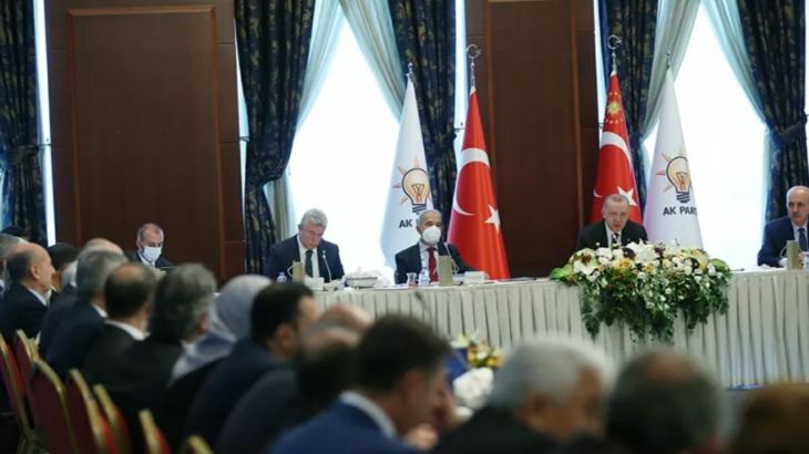 Erdoğan'ın vekillerle toplantısında Sedat Peker'in adı geçti: Halkın gündeminde bunlar yok
