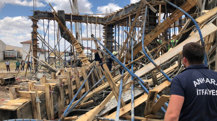 Ankara'da inşaatta göçük: 2 işçi yaralandı