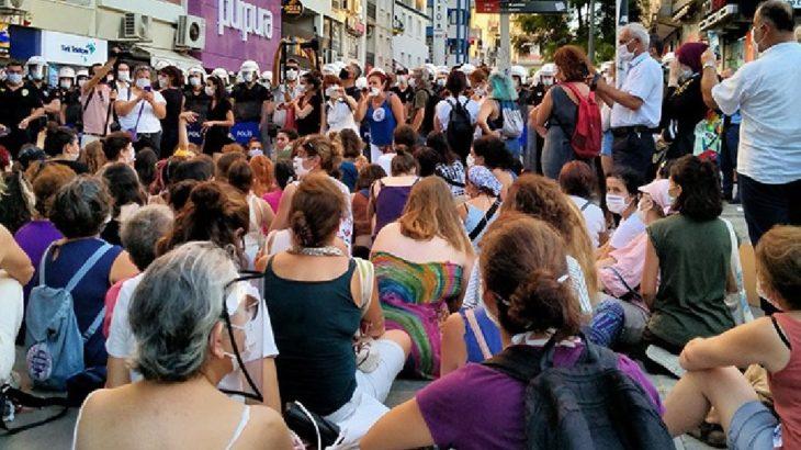 Ankara'da düzenlenen 'İstanbul Sözleşmesi' protestosuna polis saldırdı: Çok sayıda kadın gözaltına alındı