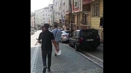 Aşı karşıtları İstanbul sokaklarında bildiri dağıtıyor!