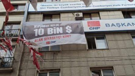 CHP binalarına yeni pankart