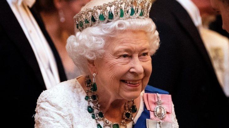 Öğrenciler, Oxford'da 'sömürgeci geçmişi' hatırlattığı gerekçesiyle kraliçenin portresini kaldırdı