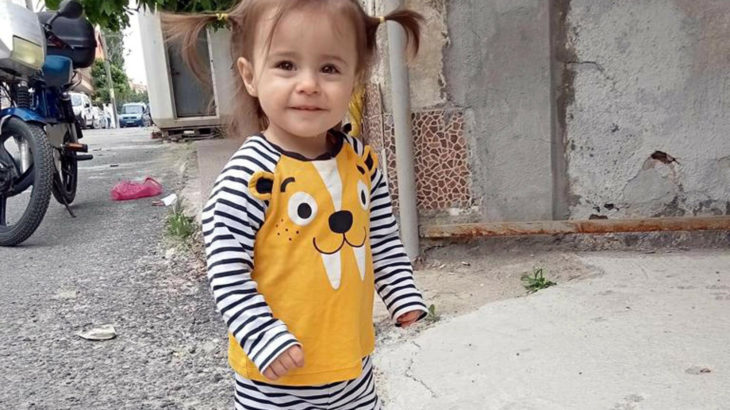 2 yaşındaki çocuğu pencereden atıp öldürdü: