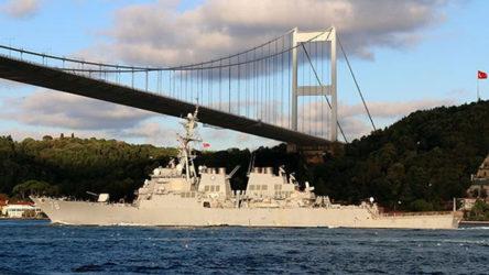 Rusya'ya ait savaş gemileri sabahın erken saatlerinde İstanbul Boğaz'ndan geçiş yaptı