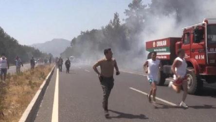 Muğla'da ormanlık alanda yangın: Otoyol trafiğe kapatıldı