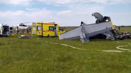 Rusya'da paraşütçüleri taşıyan uçak kaza yaptı: 9 kişi öldü