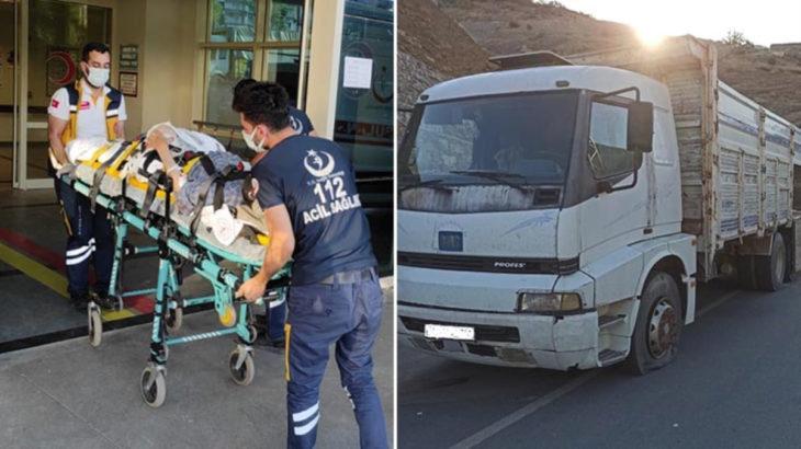 Siirt'te jandarma ile göçmenleri taşıyan araç arasında çatışma: 2 göçmen öldürüldü