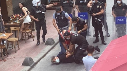 Taksim'de toplanmaya polis müdahalesi