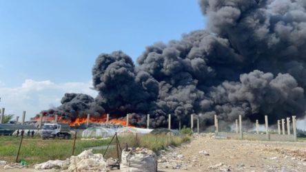 Plastik atık geri dönüşüm fabrikasında yangın