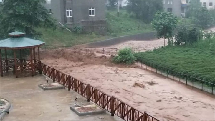 """""""Yarın 24.00'a kadar şiddetli yağış tehlikesi devam ediyor"""