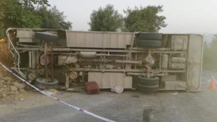 Mersin'de tarım emekçilerini taşıyan araç devrildi: ölü ve yaralılar var