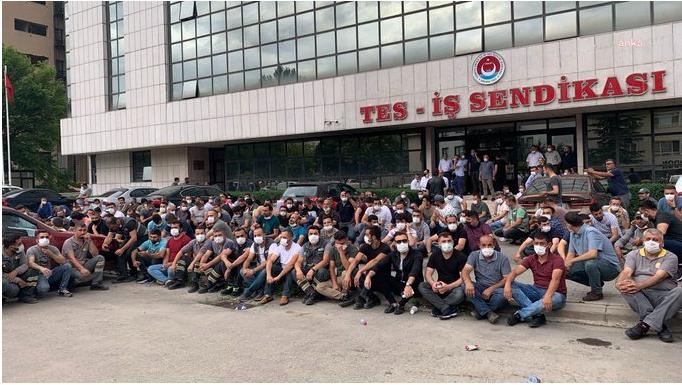 ENERJİSA işçileri sendikalarının genel merkezi önünde eylem yaptı