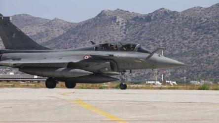 Yunanistan Fransa'dan Rafale uçaklarını teslim almaya başladı