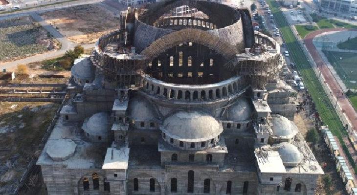 AKP Milletvekili Ali Şahin: Cami düşmanlığının parçası olmayın