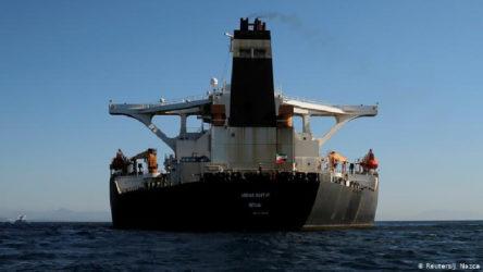İran, ABD kuşatmasını baypas eden petrol boru hattını tanıttı