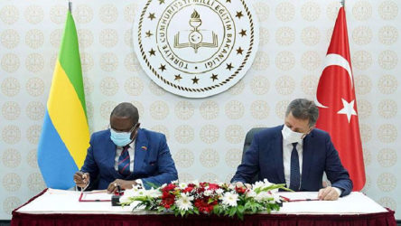 Türkiye: Katar'dan sonra Gabon ile de eğitim alanında anlaşma imzalandı