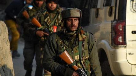 Keşmir'de sular durulmuyor: Hindistan'a dönün!