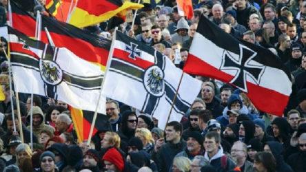 Almanya'daki müslümanlara saldırı hazırlığındayken yakalanan neo-nazi Susanne G'ye 6 yıl hapis cezası verildi