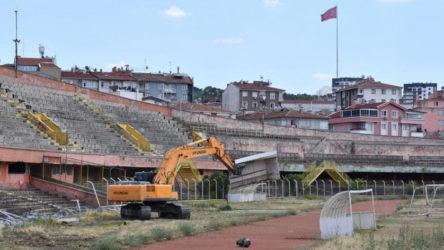Cebeci Stadı'nda yıkım başladı, mahkemeden durdurma kararı geldi