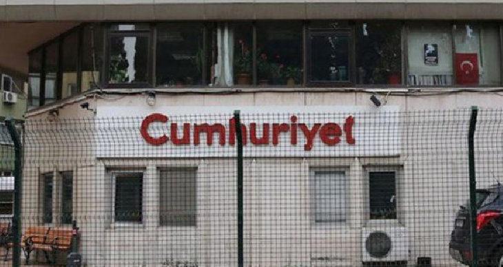 Cumhuriyet'te yedi gazeteci işten atıldı