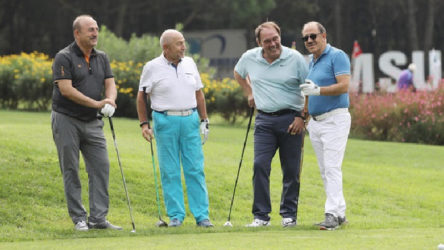 Demirören'in 'golf' oyunu: