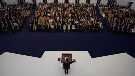 Suriye lideri Beşar Esad, Kuran ve Anayasa üzerine ant içerek görevine başladı