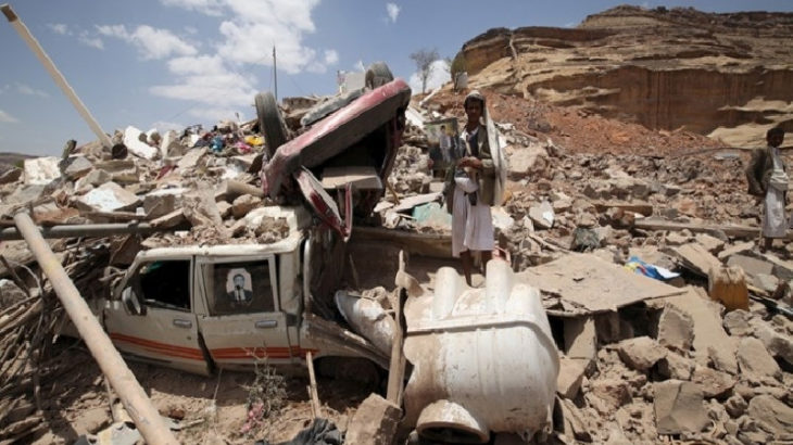 Suudi işgal koalisyonu, Yemen'de yerleşim yerini hedef aldı