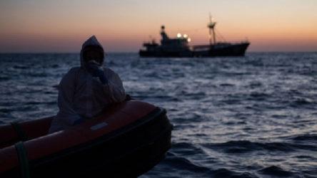 Tunus açıklarında 17 düzensiz göçmen hayatını kaybetti