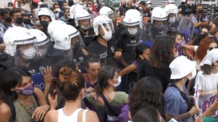 Kadınlar ablukaya rağmen İstanbul Sözleşmesi için sokakta