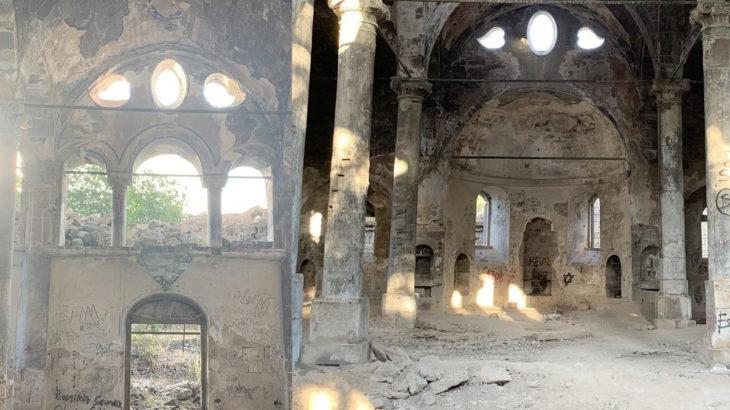 Kayseri Talas'ta tarihi kilise bakımsızlıktan yıkılmak üzere