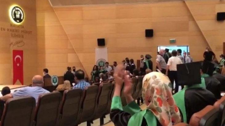 Mezuniyet töreninde Sivas Katliamı'nı anan tıpçılara saldırı