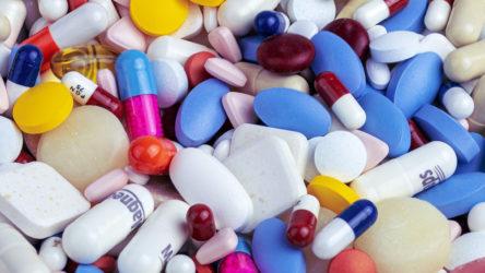 AB Komisyonu Covid-19 tedavisi için geliştirilen bir ilaç adayı ile tedarik anlaşması imzaladı