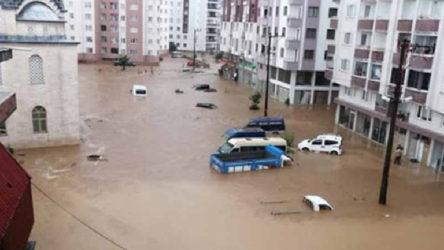 Rize'de sel ve heyelan: 3 kişi kayıp!