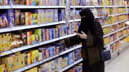 Suudi Arabistan'da mağazaların namaz vakitlerinde kapatılması yasağı kalktı