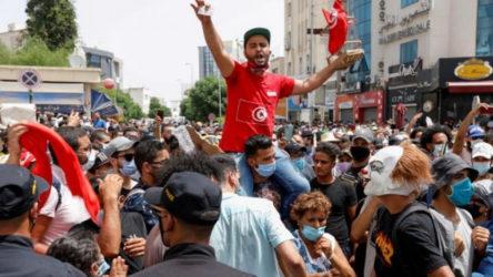 Tunus'ta 1 ay sokağa çıkma yasağı ilanı