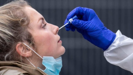 İçişleri Bakanlığı: Aşı olmayan kişilere PCR testi zorunlu olacak