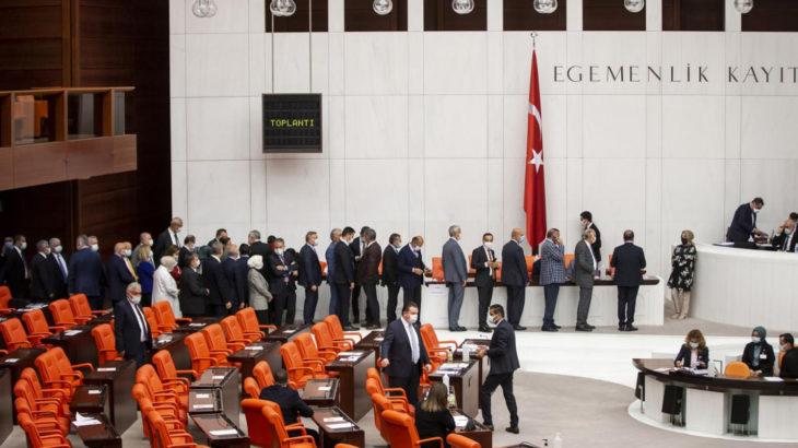 AKP'nin ormanları ve kıyıları yağmaya açacak kanunu meclisten geçti: İyi Parti kabul oyu verdi, diğer partiler oylamaya katılmadı