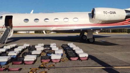 AKP'li ismin sahibi olduğu uçağa büyük uyuşturucu operasyonu