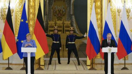 Merkel-Putin görüşmesinde Afganistan ve Navalni gerilimi