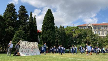 Boğaziçi Üniversitesi'nde akademisyenler Naci İnci'ye karşı nöbette