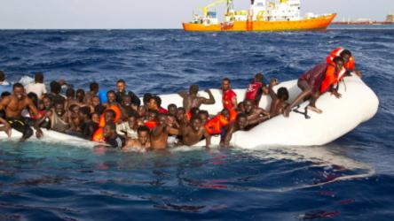 Sığınmacıların botu battı: 39 ölü
